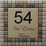 Mosaici Guizzo Numero civico in ceramica incisa_colore beige e marrone