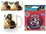 Set: Wonder Woman, Fierce Foto-Tasse Kaffeetasse (9x8 cm) Inklusive 1 Wonder Woman Poster-Sticker Tattoo Aufkleber (12x10 cm)