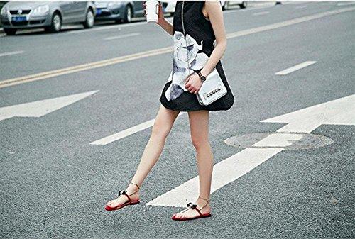 Frau Ledersandale Bee Metall dekorative Schmetterlinge nehmen Frauen Schuhe flach mit Mischfarben Red