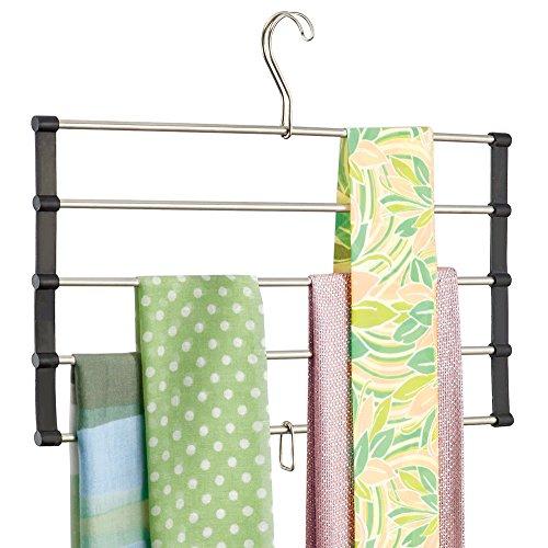 mDesign platzsparender Kleiderbügel - für die organisierte Aufbewahrung Ihrer Garderobe - ideal als Schalhalter und Schalorganizer - fünf vertikale geräumige Schalbügel - Schwarz