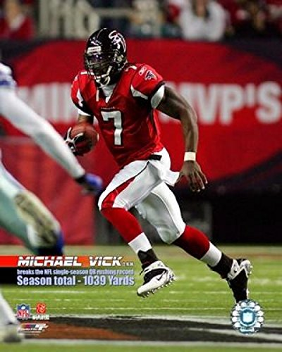 The Poster Corp Michael Vick 2007 NFL Single Season QB Rushing Record with Overlay Photo Print (40,64 x 50,80 cm) Michael Vick, Nfl