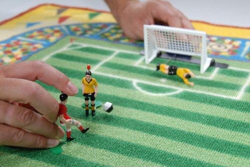 "Original Spielteppich \""Fussball\"", Maße ca. 90 x 120 cm"