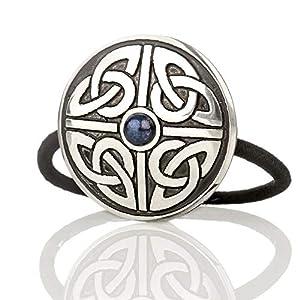 Celtic Triskele – Haargummi aus England mit keltischem Muster & blauem Stein