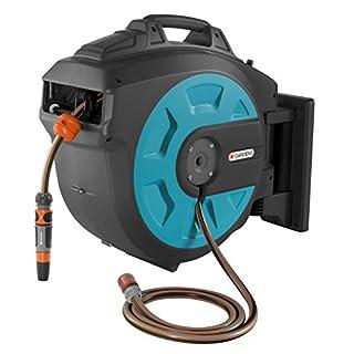 GARDENA Wand-Schlauchbox 35 roll-up automatic: Schwenkbare Schlauchtrommel, 35 m GARDENA Qualitätsschlauch, kurze Arretierstops, inkl. Wandhalterung, Systemteilen und Spritze (8024-20)