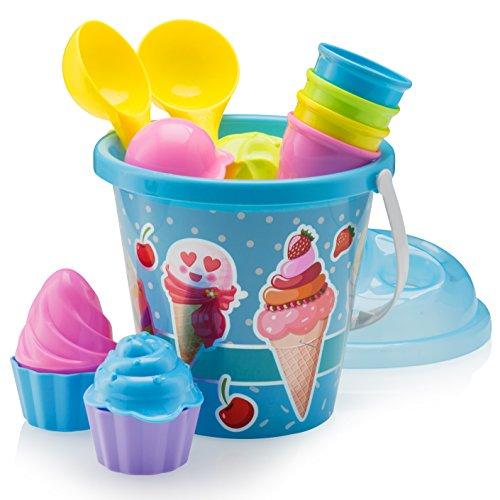 Deje que sus hijos preparen una variedad de conos de helado con esta pieza de Ice Cream Beach Pail de 14 piezas.    ¡Es un compañero de playa durante el verano! Construya su propio puesto de helados en la playa o en la caja de arena.    Llévese los ...