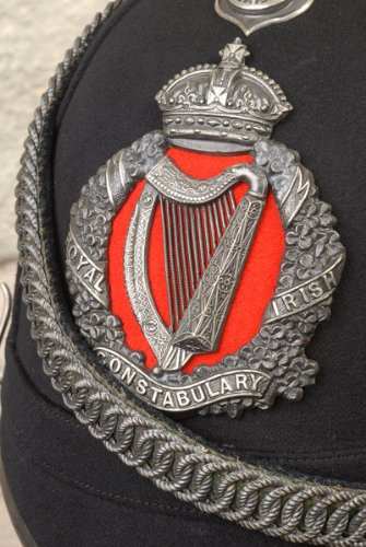 the-crown-harp-and-shamrock-of-the-royal-irish-constabulary-1890-1915