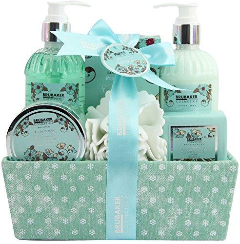 BRUBAKER Cosmetics Bade- und Dusch Set Feuchtigkeitspflege Kamille - 7-teiliges Geschenkset in dekorativer Box -