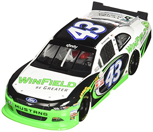 lionel-racing-dakoda-armstrong-43-winfield-2015-xfinity-series-ford-mustang-nascar-diecast-car-124-s