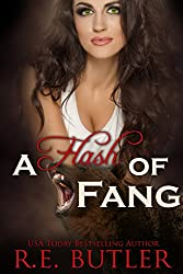 A Flash of Fang (The Wiccan-Were-Bear Series Book 2) (English Edition)
