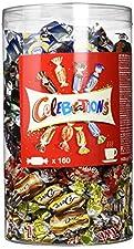 CELEBRATIONS Catering Box 1435g 160 Pralinen Einzeln verpackte Schokoladen-Pralinen, 8-fach sortiert. Celebrations – eine Auswahl zum Genießen und Entdecken. In der abwechslungsreichen und bunten Pralinenmischung aus beliebten Marken findet einfach ...