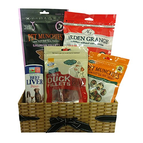 Dog Birthday Gift Basket - A dog gift hamper with fish and meat treats. The hamper contains Arden Grange Chicken Treats, Pet Munchies Sushi Training Treats, Good Boy Tender Duck Fillets, Natural Pet Beef Liver Treats, Pet Munchies Salmon Fillets.