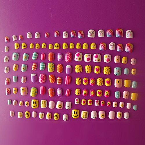128pcs verschiedenen Nägel 28Größen Smiling Face Candy Cute Karton Kinder Falsche Nägel für Kinder 'S DAY