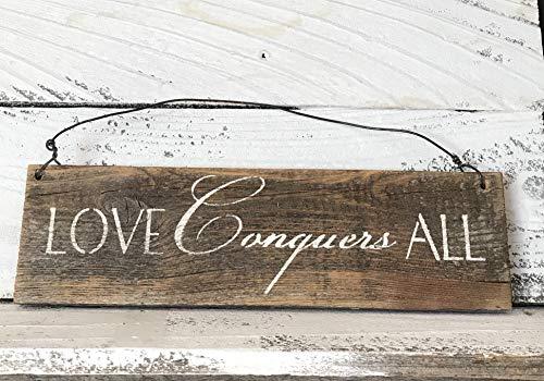 Wood Plaque Holzschild mit Aufschrift Love Conquers All Barn, rustikales Wanddeko, inspirierende Kunst, Aufschrift: Love Conquers All Barn, zum Aufhängen