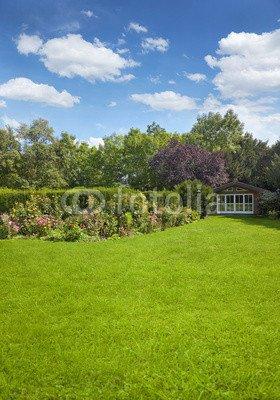 Alu-Dibond-Bild 70 x 100 cm: 'Garten mit Gartenhaus', Bild auf Alu-Dibond