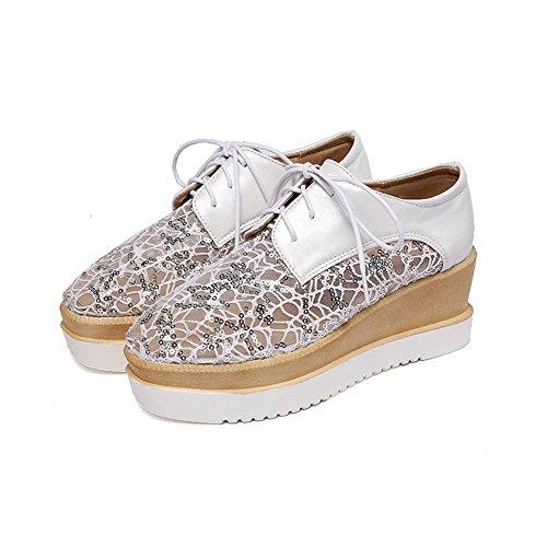 AllhqFashion Damen Quadratisch Schließen Zehe Mittler Absatz Schnüren Rein Pumps Schuhe Weiß