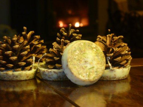 kindlecone-winter-spice-duftkerzen-box-mit-12-stuck