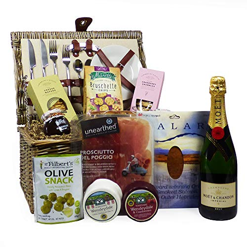 2 Person Wicker Picnic Basket Gift Set (Cream Chiller) with 75cl Moet et Chandon Champagne and a Gourmet Hamper Fresh Food Selection - Ideas for Birthday, Christmas, Anniversary, Corporate, Wedding