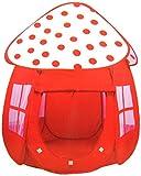 Rotes Zelt mit Pünktchen