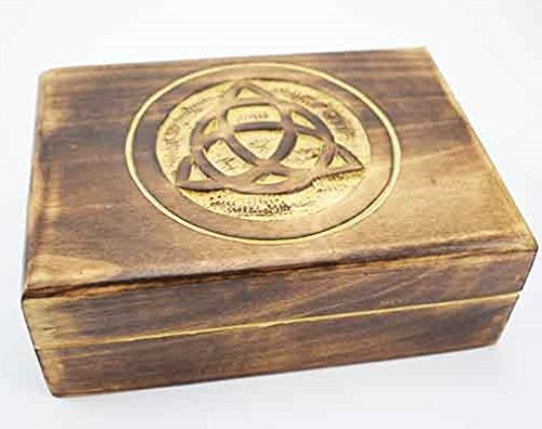 beautifully-carved-wooden-celtic-design-wood-box-design-1