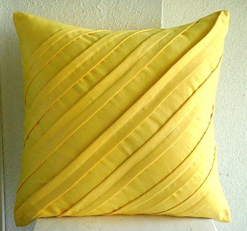 Contemporary Yellow - european-square Ein gelber Wildleder Euro Sham Kissenbezug mit Biesen