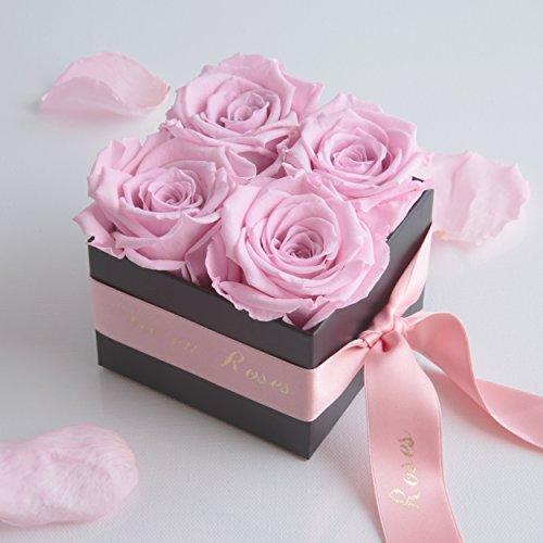 Rosenbox La Vie en Roses 4 konservierte Rosen haltbar 3 Jahre / 8,5x8,5cm / Blumenbox / Flowerbox / Rosenbouquet / Jahrestag / Hochzeitstag / Geschenk von ROSEMARIE SCHULZ® Heidelberg (Rosa)