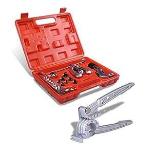 Boîte à outils avec une pince à cintrer