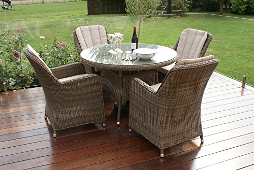 Maze rattan winchester venice 4 seat round dining set with for 120 round table seats how many