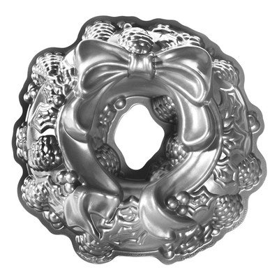Nordic Ware Seasonal Holiday Wreath Bundt Pan in Grey
