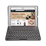 iPad Air 2 Tastiera Cassa, iEGrow F8S+ Bluetooth Tastiera Protettiva Cassa Senza fili Keyboard Case Cover con 7 Colori Retroilluminato a LED per iPad 6 [Layout Italiano QWERTY] Nero immagine