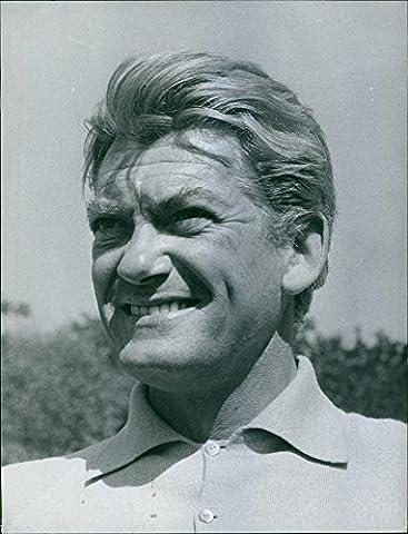 Vintage Photo de 1962une photo d'un acteur Français, Writer, directeur et sculpteur jean-alfred villain-marais souriant.