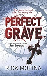 Perfect Grave by Rick Mofina (2010-08-02)