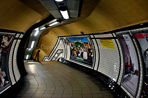 Eine 45,7x 30,5cm Fotografieren Hochwertiger Fotodruck für leere London Underground Station, England, Großbritannien Landschaft Foto Farbe Kunstdruck Bild. Fotografie von Andy Evans Fotos - Evans Foto