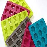 Konfekt//Mini-Muffinform 35x20mm wei/ß mit hellblauen Hexagonen.200 Stk