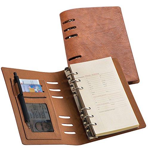 Agenda ad anelli ricaricabile in PU, formato A6, colore marrone, vari scomparti per carte credito o biglietto da visita. Pratica e funzionale