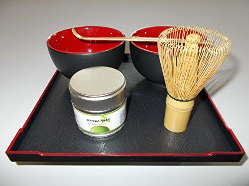 Matcha 抹茶 Tee Set für die japanische Teezeremonie. - 30g Bio Matcha Tee - Bambusbesen Cha-Sen - Bambuslöffel Chashaku zur Portionierung 2 x Matchaschale Rot + Servier-Tablett Teeset Geschenkset