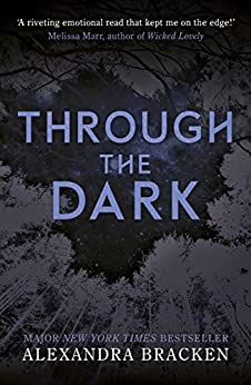 Through the Dark: A collection of three novellas (A Darkest Minds Novel) (English Edition)