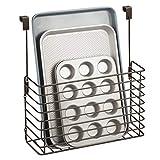 mDesign Küchenregal zum Einhängen - praktischer Ordnungshelfer für die Küche - Küchenablage für die Schranktür zur Aufbewahrung von Schneidebrettern, Kochbüchern etc. - bronzefarben