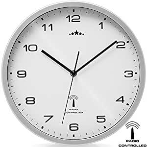 horloge radio pilot e 31cm changement heure automatique blanc argent cuisine. Black Bedroom Furniture Sets. Home Design Ideas