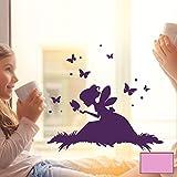 ilka parey wandtattoo-welt® Fensterbild Wandtattoo Fee Elfe auf Wiese mit Schmetterlingen Fenstertattoo Fensteraufkleber Fenstersticker Wandbild Wandaufkleber Wandsticker Aufkleber Sticker M2099 - ausgewählte Farbe: *flieder* ausgewählte Größe: *L - 35cm breit x 33cm hoch*