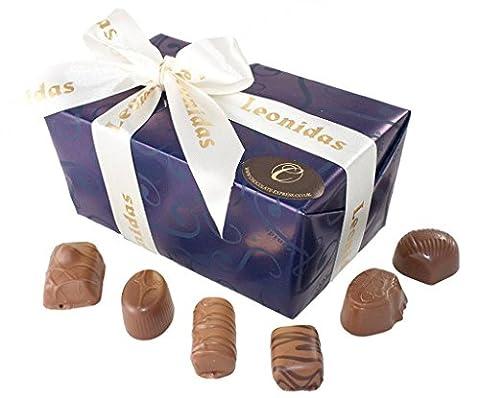 Luxuriose Belgische Milchschokolade: 45 Leonidas Pralinen mit Buttercremefüllung, Ganachesn und Karamel füllung.