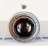 Lente de la cámara Collar, Colgante de fotos fotógrafo regalo negro colgante de cámara, fotos joyería regalo para él o ella, Art Colgante