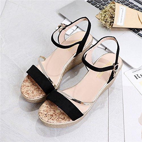 XY&GKFrau Keil Sandalen mit komfortablen Fashion Sommer Muffin Wort Schnalle Dick unten 36 black