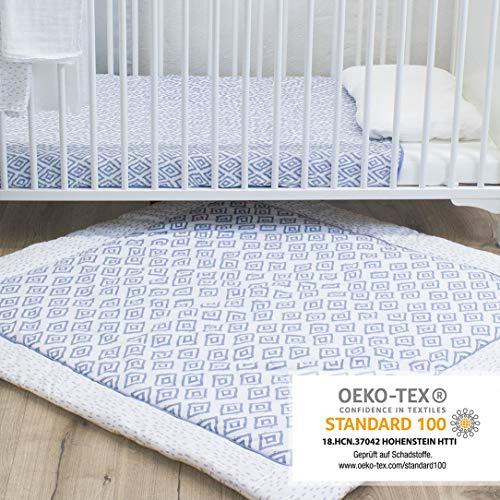 Emma & Noah Baby Krabbeldecke geprüft nach Oeko Tex Standard 100, weich gepolstert aus 100% Baumwolle, 120x120 cm groß, ideal als Spieldecke und Laufgittereinlage, Boho, Raute (Blau)