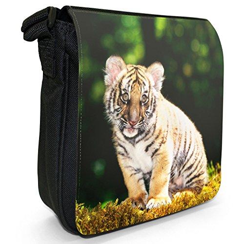 Wild Tigre Borsa a spalla piccola di tela, colore: nero, taglia: S Tiger Cub Sitting In Forest