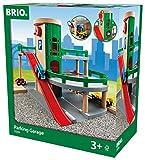 BRIO World 33204 Parkhaus, Straßen und Schienen - Parkgarage mit Aufzug, steiler Ausfahrt und Tankstelle - Kleinkinderspielze