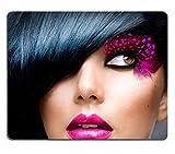 MSD Gaming tapis de souris en caoutchouc naturel d'image: 14193575Fashion Brunette modèle Portrait Coiffure...