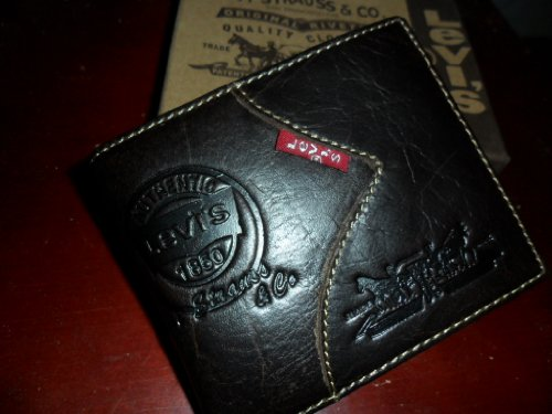 levis-leather-wallet