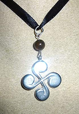 superbe collier croix basque hématite