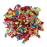 600 Perline Miste Lettera dell'Alfabeto da 10 mm in plastica con gancio in Vari Colori da Kurtzy – Perfette Per Realizzare Braccialetti e Collane - Confezione Ideale per Adulti e Bambini