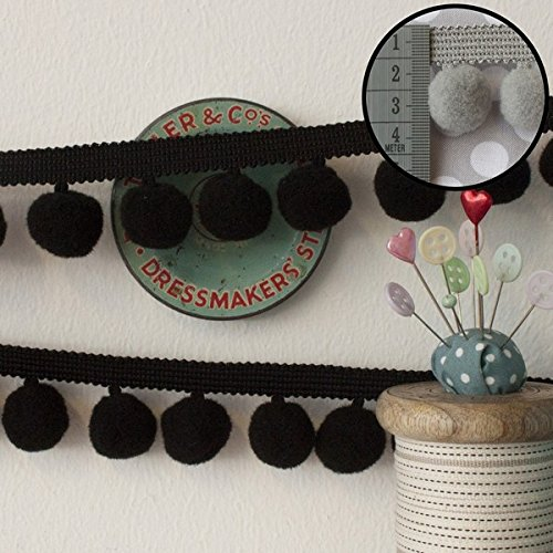 jumbo-pom-pom-trim-black-per-metre